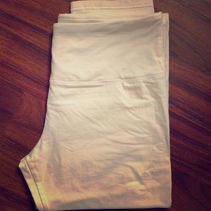 Women's white capri legging